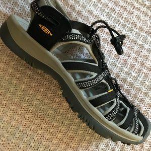 "Keen Shoes - Women's Keens ""Whisper"" 9.5"